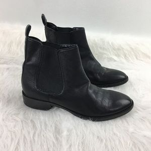 Saks 5th Ave 7.5 flat black leather Chelsea boots